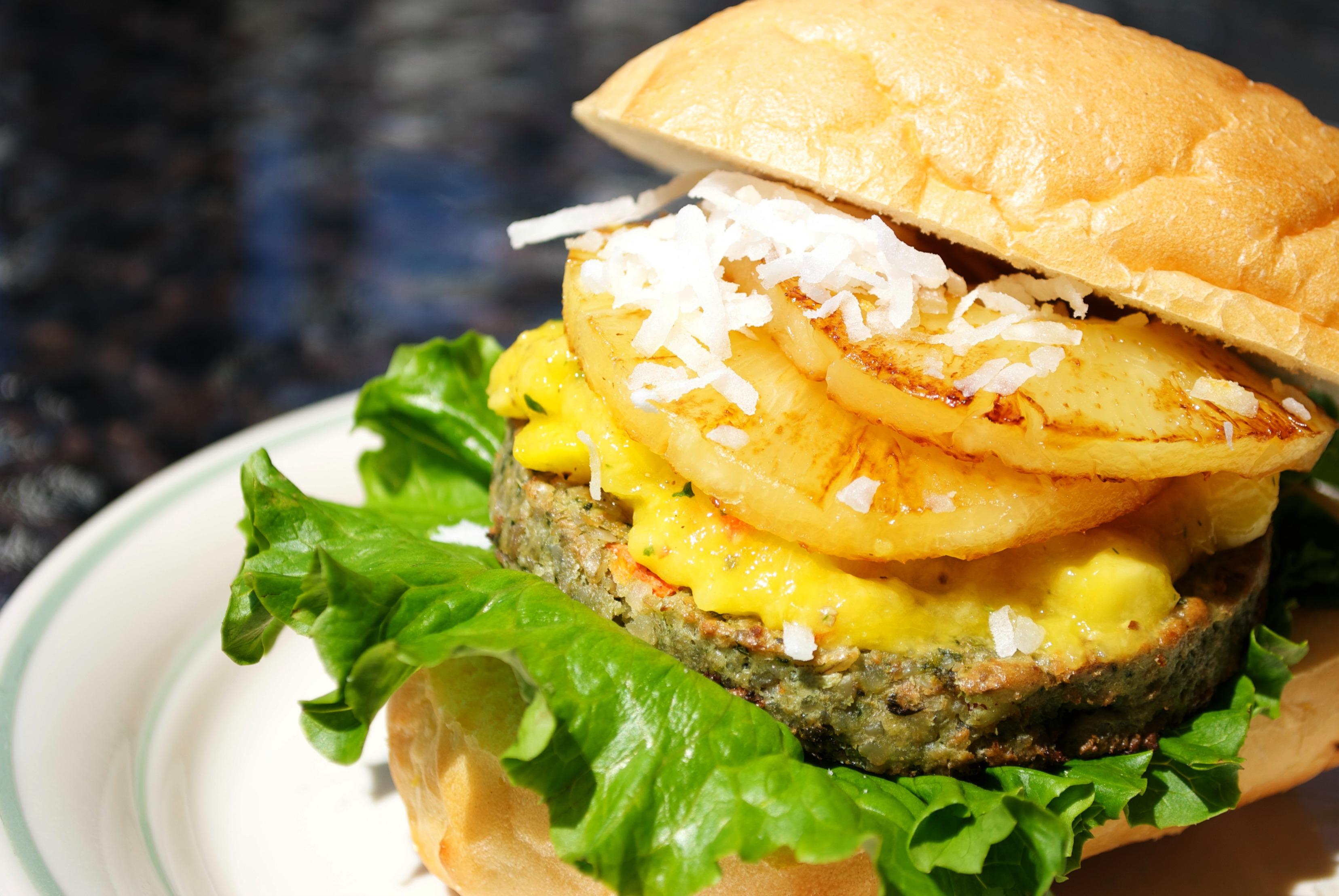 Around the World in Sunshine Burgers – Stop #4 : Philippines